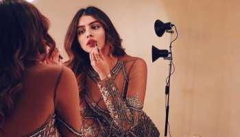 Janhvi Kapoor की बहन ने सोशल मीडिया पर शेयर कीं बिकिनी फोटोज, हॉटनेस में छोड़ा कइयों को पीछे