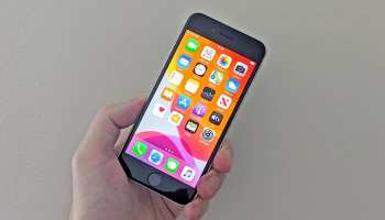 Flipkart Big Saving Days Sale iPhone SE gets cheaper only for today Get over Rs 11000 flat discount