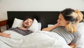 क्या आप भी सोते वक्त लेते हैं खर्राटे? जानें ये आदत सेहत के लिए अच्छी है या खराब