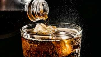 Viral News: 10 मिनट में पी डाली डेढ़ लीटर कोल्ड ड्रिंक, फिर हुआ ऐसा और चली गई जान