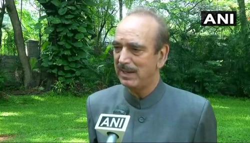 कर्नाटक: कांग्रेस ने कहा- BJP नहीं हमारे पास हैं 117 MLA, राज्यपाल पक्षपात नहीं कर सकते