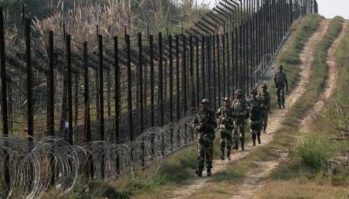 LoC पर पाकिस्तान की ओर से रातभर फायरिंग, BSF का एक जवान शहीद, लोगों से बाहर नहीं निकलने की अपील