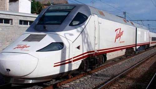 दिल्ली-मुंबई के बीच सेमीहाई स्पीड ट्रेन की तैयारियां शुरू, 12 घंटे में पहुंचाएगी मुंबई