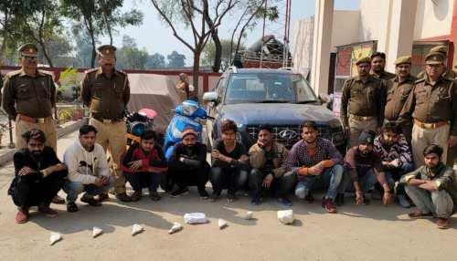 UP: ढाबा मालिक ने जब पुलिस वालों से मांगे खाने के पैसे, झूठे केस में फंसा 9 लोगों को किया गिरफ्तार