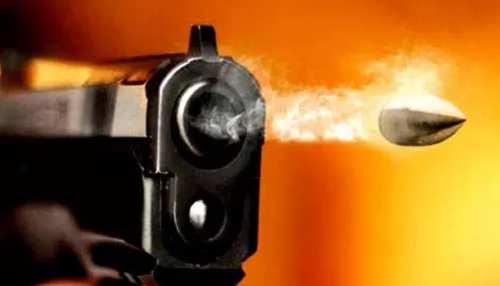 Delhi में रोडरेज की घटना में युवक की गोली मारकर हत्या, रिश्तेदार घायल, CCTV खंगालने में जुटी पुलिस