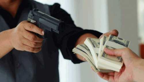 बक्सर में 'अनलॉक' हुए अपराधी, व्यवसाई से 6 लाख रुपए की लूट, CCTV में कैद हुई वारदात