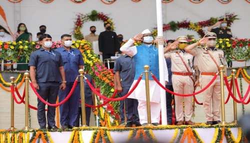 रांची के मोराबादी मैदान में CM Hemant ने फहराया झंडा, जानें भाषण की मुख्य बातें