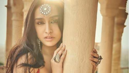 shraddha kapoor shares beautiful photos in traditional outfit see pics