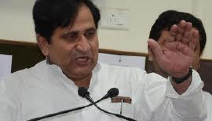 मोदी विश्वास नहीं कर पा रहे कि वह PM हैं: कांग्रेस