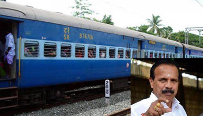 रेल मंत्री सदानंद गौड़ा ने दिए संकेत-बढ़ सकता है रेल किराया
