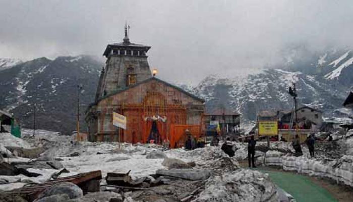 उत्तराखंड: खराब मौसम की वजह से चारधाम यात्रा को रोका गया, बाबा रामदेव गंगोत्री में फंसे