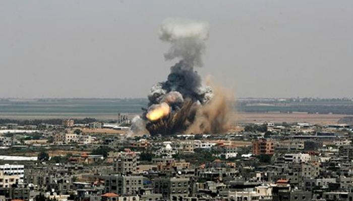 इजराइल ने सैन्य अभियान किया तेज, हवाई हमलों में 208 मरे, फलस्तीनियों को गाजा छोड़ने को कहा
