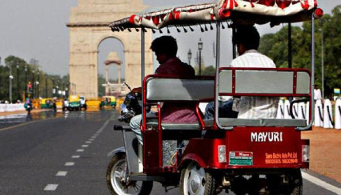 दिल्ली: ई-रिक्शा के बंद होने के आसार कम, मोटर व्हीकल एक्ट में होगा बदलाव