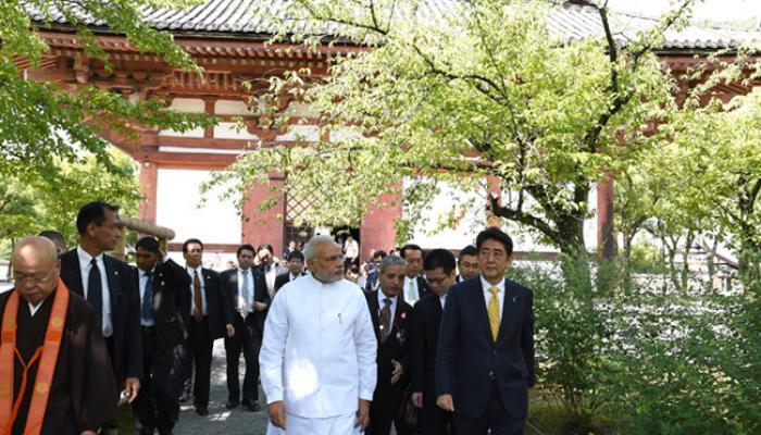 जापान के ऐतिहासिक तोजी मंदिर के नरेंद्र मोदी ने किए दर्शन