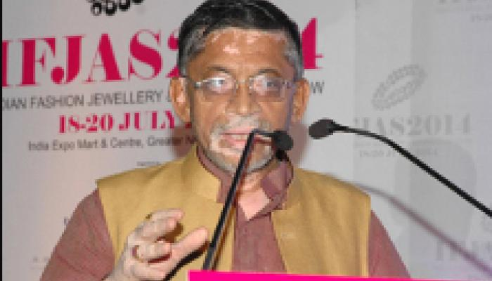 श्रम कानूनों को बदलने की है जरूरत : कपड़ा मंत्री