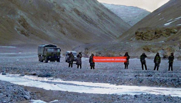 लद्दाख क्षेत्र में गतिरोध दूर करने के लिए वार्ता में लगे भारत और चीन