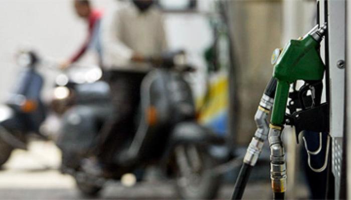 15 अक्टूबर से पेट्रोल और डीजल के दामों में होगी कटौती!