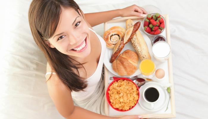 मोटापे से बचना चाहते हैं तो हर रोज सुबह का नाश्ता जरूर करें