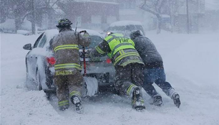 जम गया अमेरिका, 50 राज्यों में तापमान शून्य से नीचे, न्यूयॉर्क में 4 लोगों की मौत