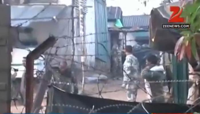 नक्सलियों ने CRPF के हथियार चुराए, 10 एके-47, जैकेट समेत कई चीजें साथ ले गए