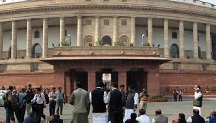 धर्मांतरण प्रकरण: संसद में पीएम के बयान की मांग पर अड़ा विपक्ष