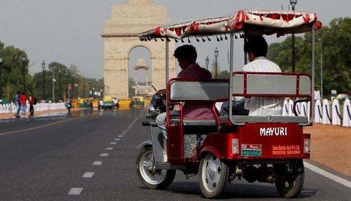 दिल्ली की सड़कों पर ई-रिक्शा के फिर से दौड़ने का रास्ता साफ