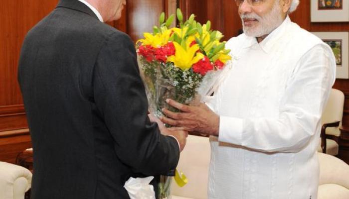 हॉलीवुड एक्टर रिचर्ड गेर ने PM मोदी से मुलाकात की