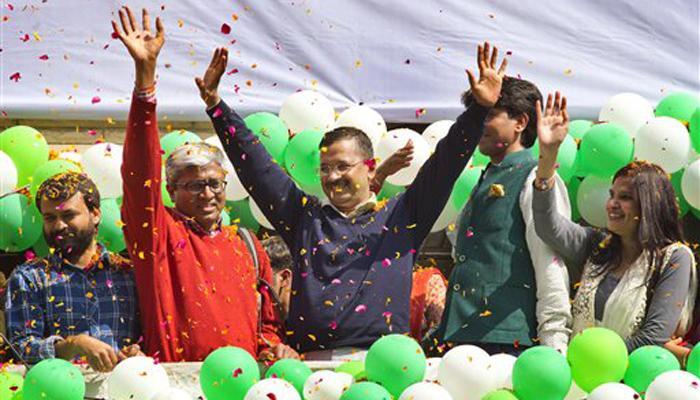 दिल्ली विधानसभा चुनाव परिणाम LIVE: विधायक दल का नेता चुने गए केजरीवाल, कल राजनाथ सिंह से मिलेंगे