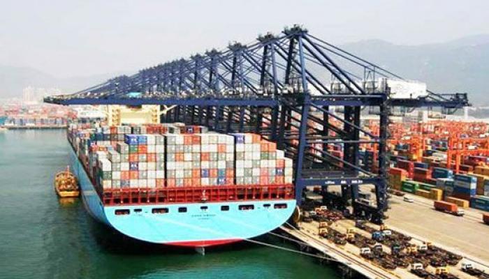 जनवरी में निर्यात 11.19% घटा, ढाई साल में सबसे बड़ी गिरावट
