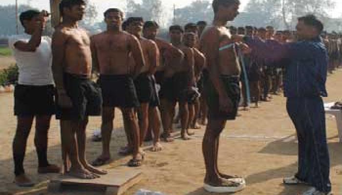 सेना भर्ती में आ सकते हैं एक लाख अभ्यर्थी, मैनपुरी प्रशासन ने कसी कमर