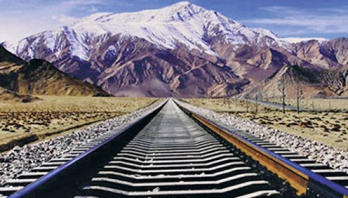 माउंट एवरेस्ट के रास्ते तिब्बत से नेपाल तक रेलवे ट्रैक बिछाएगा चीन