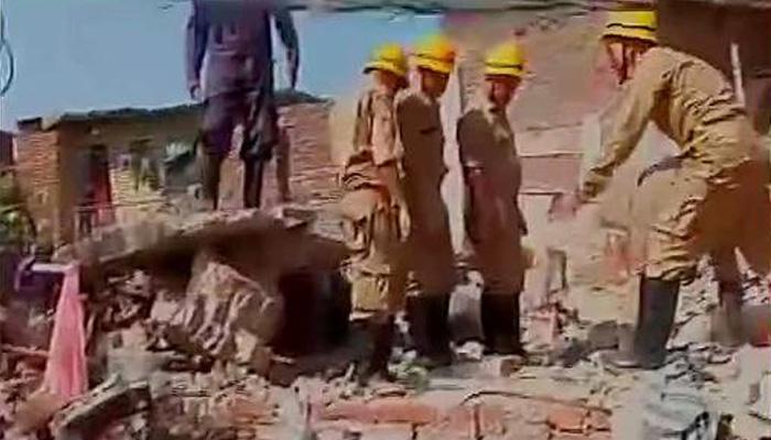 दिल्ली: तीन मंजिला इमारत ध्वस्त, एक व्यक्ति की मौत