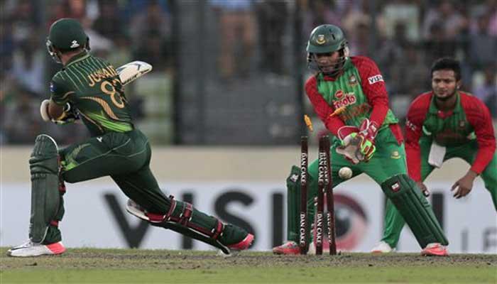 बांग्लादेश ने पाकिस्तान को 250 पर समेटा