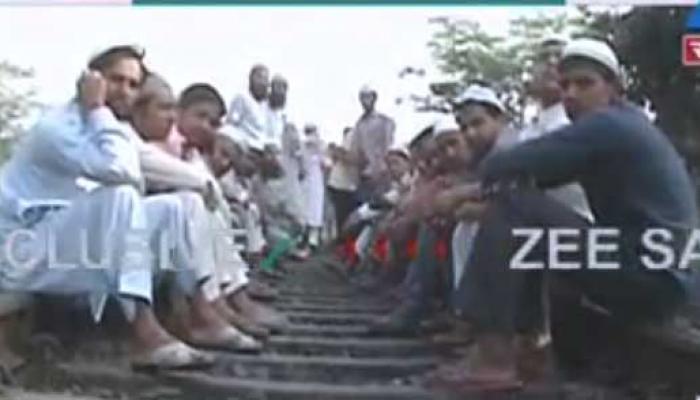 शामली: कांधली थाने में आगजनी, ट्रेन रोककर लोगों ने किया प्रदर्शन