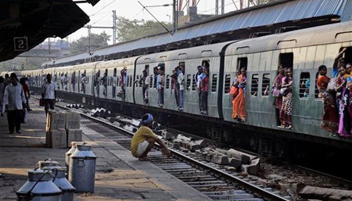 नहीं होगा रेलवे का निजीकरण: रेल मंत्री सुरेश प्रभु