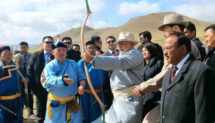प्रधानमंत्री नरेंद्र मोदी ने देखा मंगोलिया का प्रख्यात नादम उत्सव