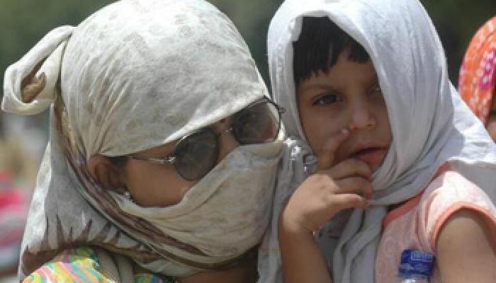 झुलसाती धूप से 500 की मौत, इलाहाबाद में पारा 48 के करीब