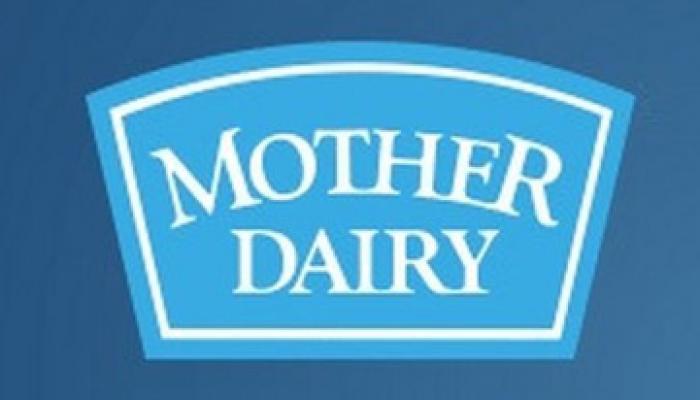 मदर डेयरी ने मुंबई में दूध के दाम दो रुपये लीटर घटाए