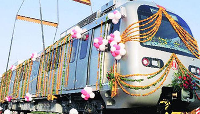 गुलाबी नगरी जयपुर में दौड़ी मेट्रो, CM वसुंधरा ने किया उद्घाटन
