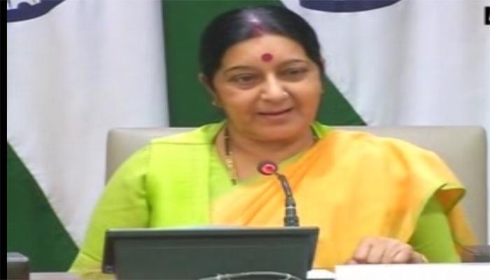 सुषमा स्वराज ने कैलाश मानसरोवर यात्रा के पहले जत्थे को रवाना किया