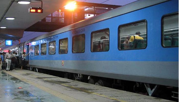 अगले महीने से चलेगी सुविधा रेलगाड़ी, तत्काल टिकट की बुकिंग का समय बदला
