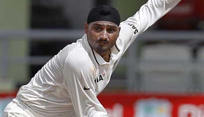 टेस्ट क्रिकेट में भज्जी के 416 विकेट, वसीम अकरम को पीछे छोड़ा