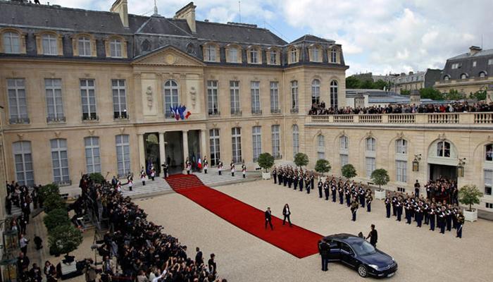 अमेरिका ने फ्रांसीसी राष्ट्रपतियों की बातचीत को टैप किया : विकीलीक्स के हवाले से मीडिया ने कहा