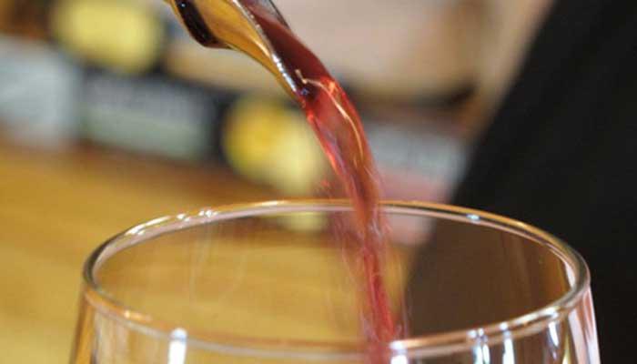 सेल टैक्स से बचने को छिपाई लाखों की कोल्ड ड्रिंक