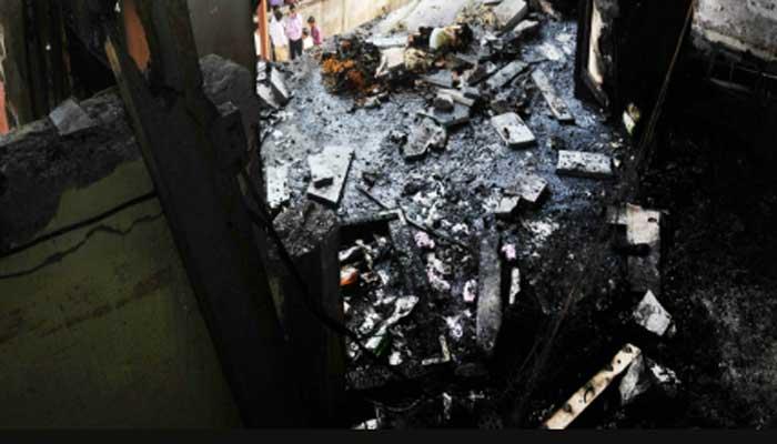 मच्छर अगरबत्ती से LPG सिलेंडर ब्लास्ट में चार की मौत, चार झुलसे