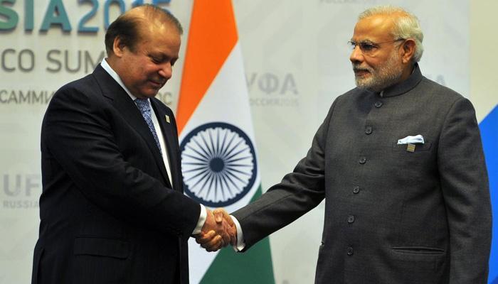 नवाज शरीफ ने नरेंद्र मोदी को पाकिस्तान आने का दिया न्यौता, पीएम ने स्वीकारा