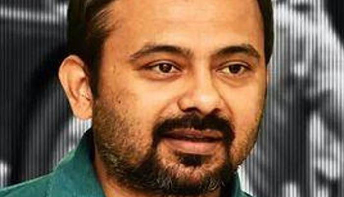 आप नेता दिलीप पांडे का आरोप- दिल्ली पुलिस की बस ने मुझे कुचलने का प्रयास किया