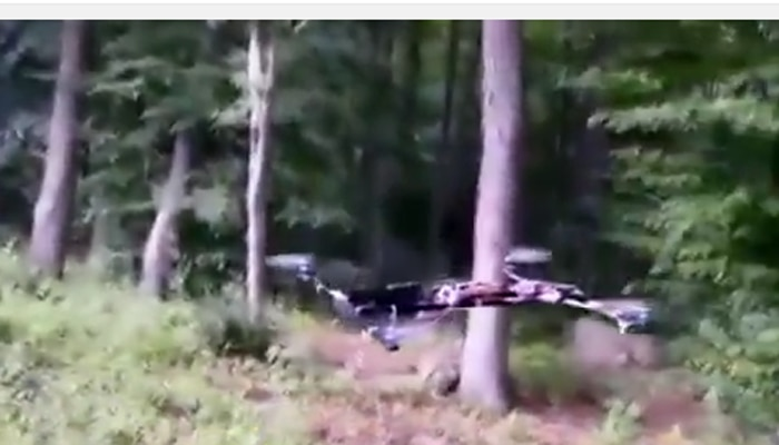अमेरिकी किशोर ने बनाया आसमान में उड़नेवाला फ्लाइंग गन 'ड्रोन', वीडियो हुआ वायरल