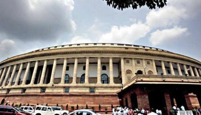 मॉनसून सत्रः संसद में नहीं हुआ कोई काम, राहुल बोले- हवा में बातें करते हैं पीएम