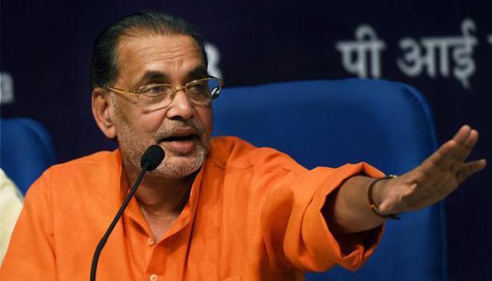 कृषि मंत्री राधा मोहन सिंह के विवादित बोल- 'किसानों की खुदकुशी की वजह प्रेम प्रसंग और नपुंसकता'
